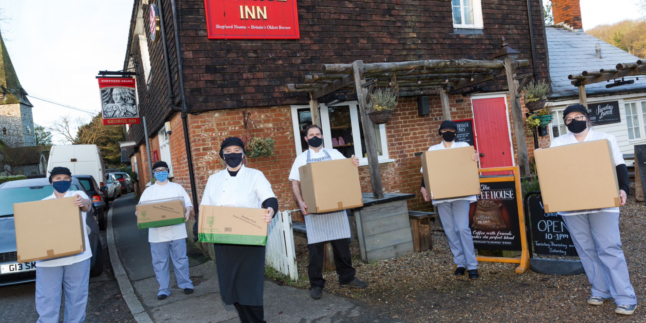 Pub cooks 5,000 meals for NHS teams